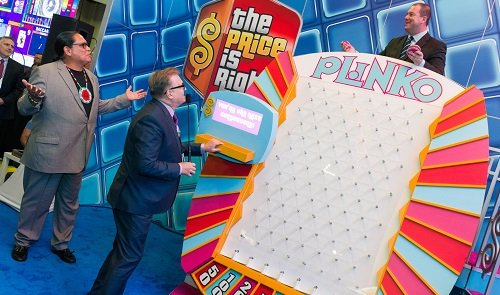 Entertainer Drew Carey hosts Plinko Games at G2E