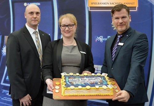 David Schnabel, Tobias Hellbach and Barbara Kepinski