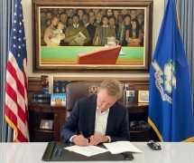 Connecticut Gov. Lamont signs Online betting legislation