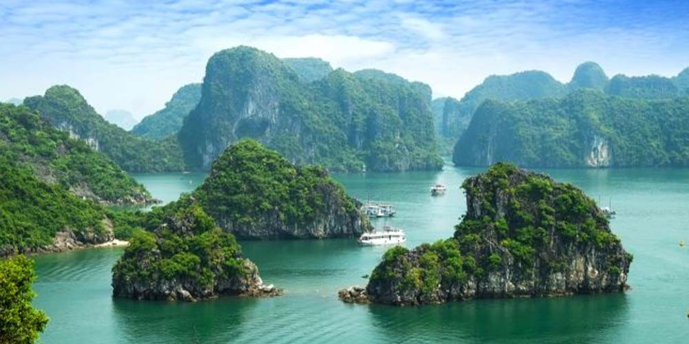 Vietnam to reopen five localities to foreign tourists